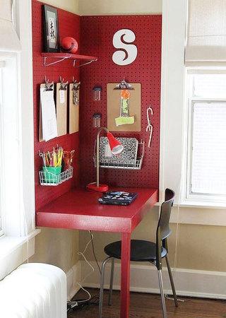 红色书桌图片