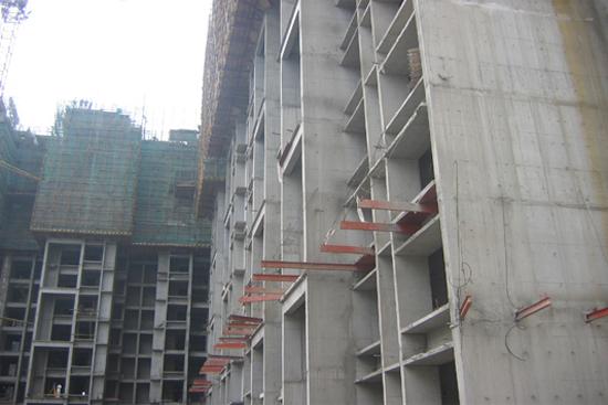 目前国内高层建筑中,主要有四大结构体系:框架结构,剪力墙结构,框架