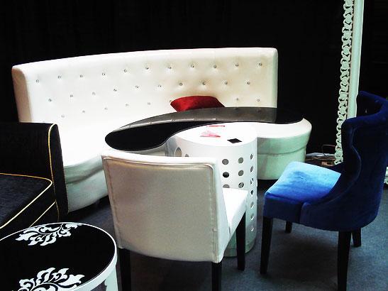 现代客厅创意半圆形组合沙发设计效果图