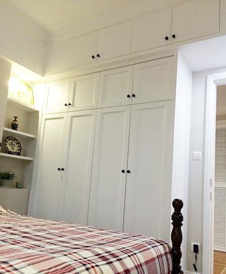 白色整体衣柜图片
