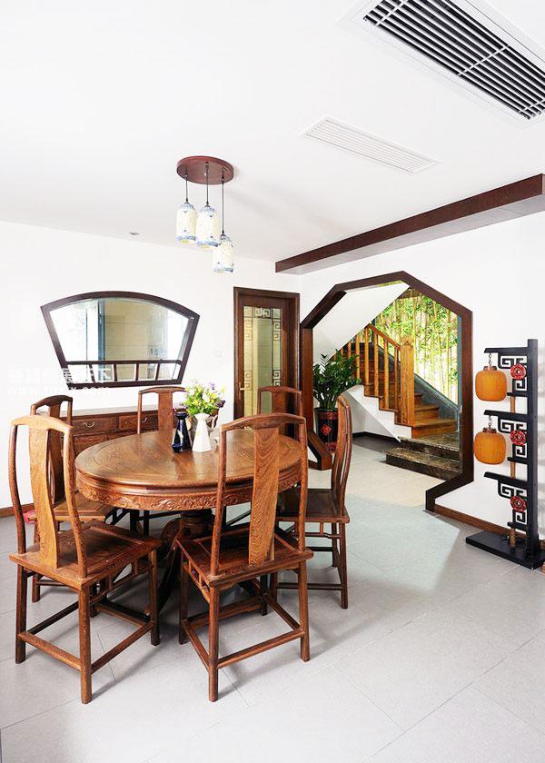 中式风格餐桌图片图片