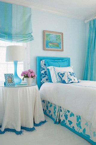 天蓝色卧室床头软包效果图