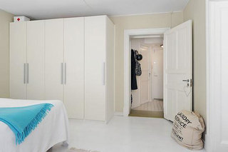 北欧白色卧室衣柜设计图片