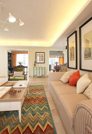 暖色调客厅设计效果图