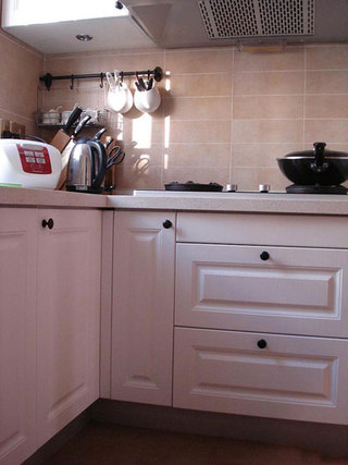 宜家白色厨房设计效果图