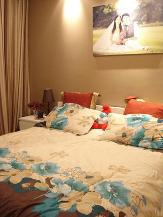 温馨浪漫婚房卧室设计效果图