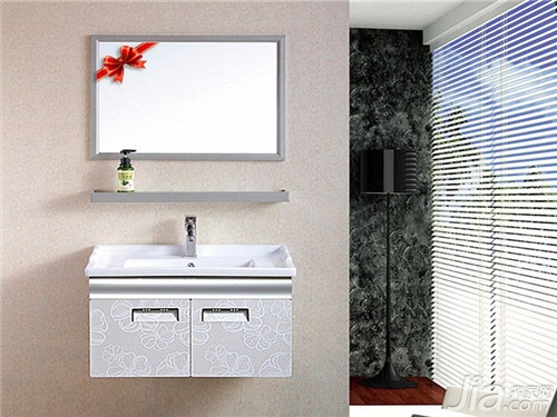 浴室柜用什么材质的好