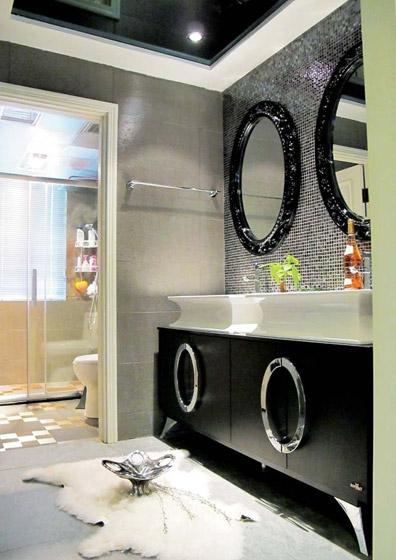 黑白奢华卫生间设计效果图