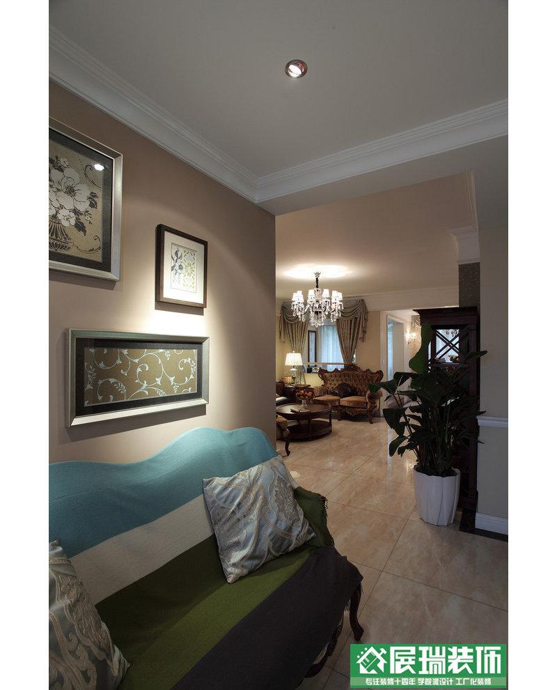 厨房和客厅共用的墙面中间部分拆掉,设计成高柜;生活阳台墙体往餐厅图片