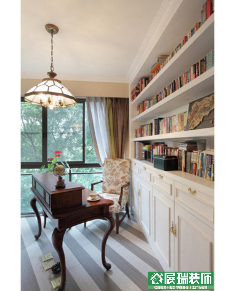 厨房和客厅共用的墙面中间部分拆掉,设计成高柜;生活阳台墙体往餐厅外图片