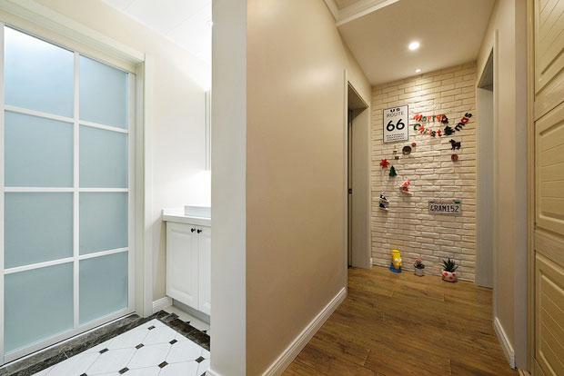 个性白色裸砖玄关背景墙