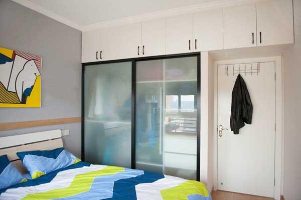 混搭卧室移门衣柜设计图片