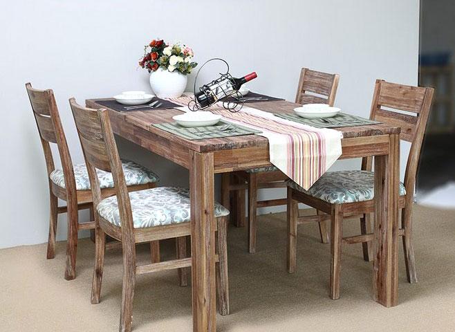 餐厅餐桌图片