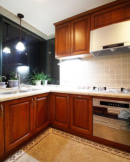 经典复古美式厨房设计 实木橱柜效果图图片