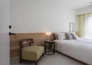 混搭风格二居室原木色70平米效果图
