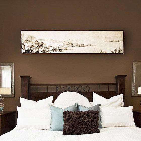 深色调中式卧室背景墙设计图片