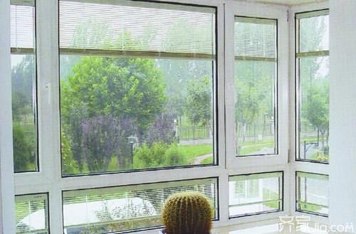 关闭窗户后边框与框架的密封,以及安装后窗户与墙体的密封,它们共同图片