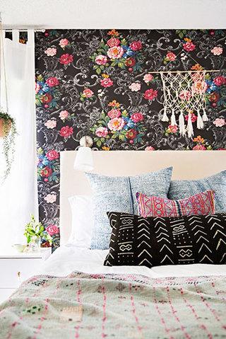 黑色+红色卧室壁纸