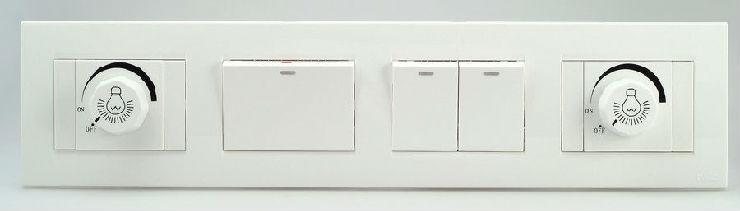 开关插座安装方法:1、指示灯开关:开关上有LED指示灯装置。多用于洗手间、玄关、卧室等处。需要注意,当荧光开关与劣质荧光灯配合使用时,可能会发生无法彻底关灯(微弱闪烁)的现象,因此建议选用好品质的荧光灯具或白炽灯光源。2、机能开关:二位多功能带保护门开关插座:由一个开关和一个插座组成,插座带有保护门的组合产品。保护门设计基于家中儿童、老人的安全考虑,插座的保护门非常关键,必须做到真正的防单极插入。 3、一位调光开关:光源明暗调节通过开关实现,无档位设置,可以根据需要任意调节亮度。 4、空白面板:用来做备用