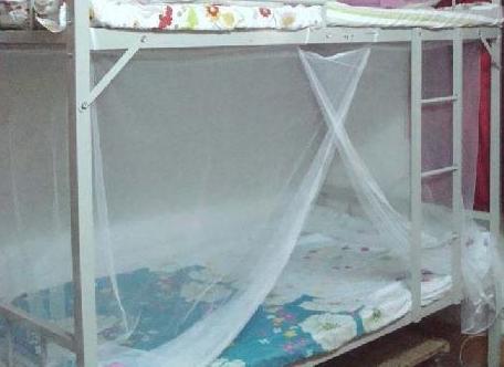 学生蚊帐的清洁