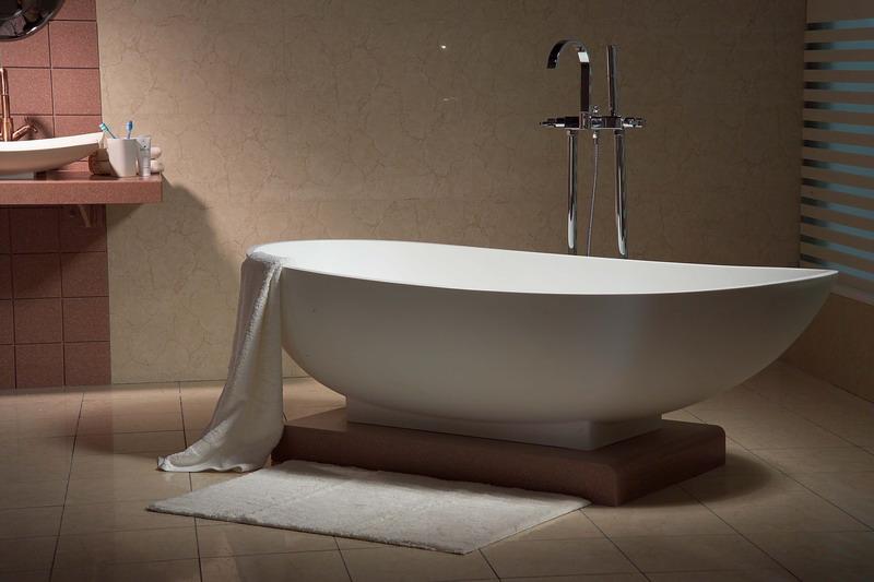 双人浴缸的清洁