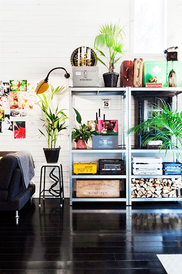 宜家风格客厅实用收纳架