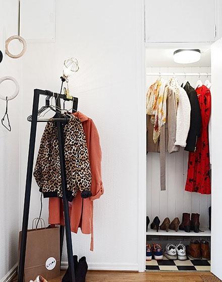 小户型玄关壁橱衣帽间