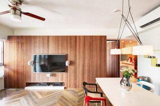 83平米小户型温馨雅居电视背景墙设计
