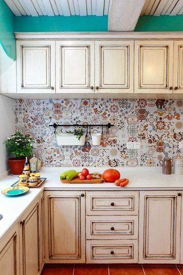 蓝色整体厨房图片
