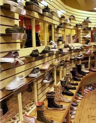 鞋店展示柜装修图片大全