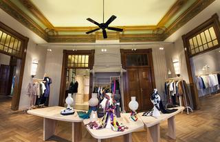 欧式现代服装店设计装饰效果图片