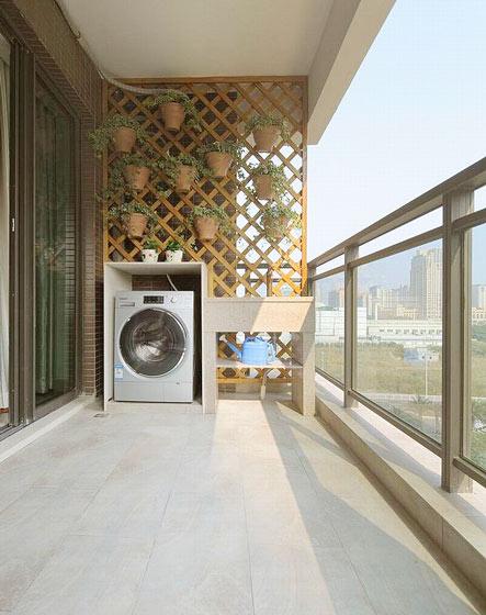 170平大户型半封闭式阳台设计图片