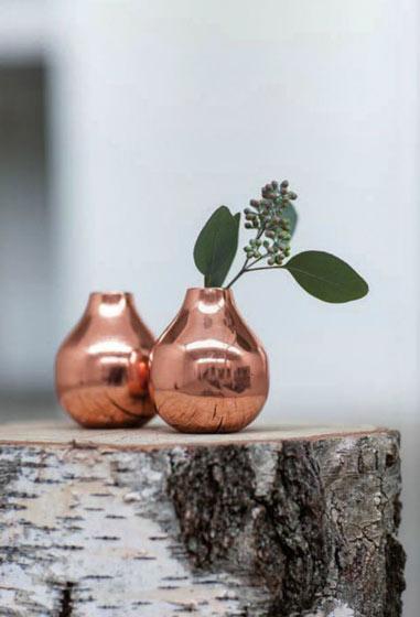 金属花瓶图片