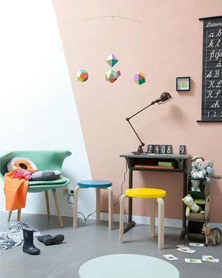 时尚几何图案装饰儿童房背景墙