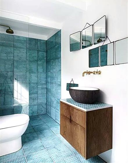 深蓝色卫浴间地砖设计