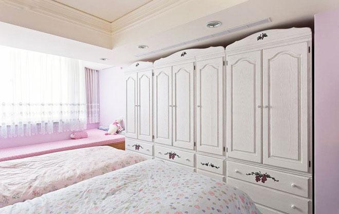 80平米美式乡村装修儿童房衣柜设计