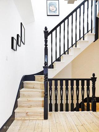 17图气质简约家楼梯设计