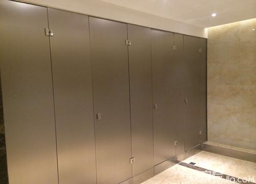上海厕所门_公共厕所隔断门尺寸你了解过吗