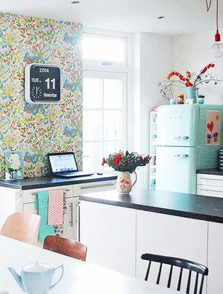 清新碎花厨房壁纸