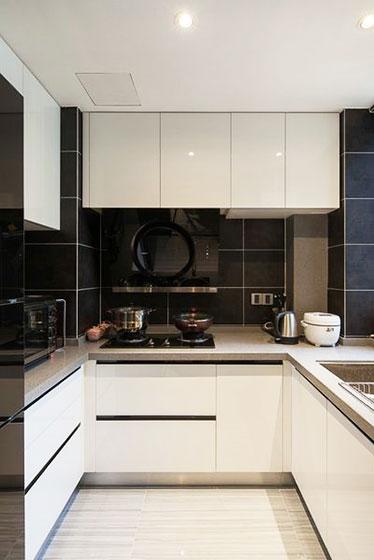 简约大气黑白配厨房设计