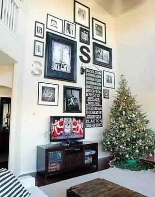 温馨客厅照片墙图片