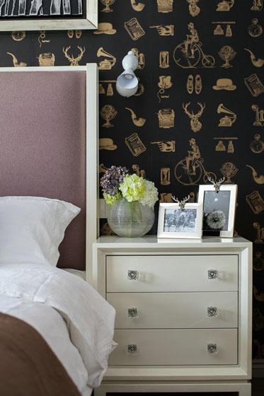 白色卧室床头柜效果图