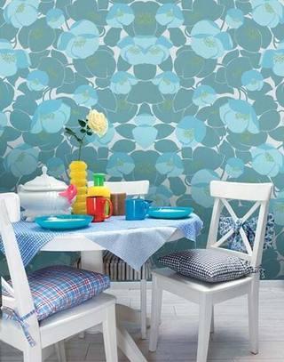 清浅蓝色餐厅桌布图片