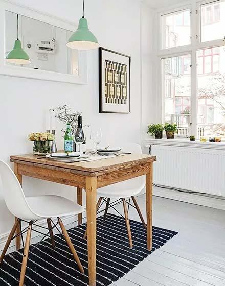 小户型实木餐桌装饰图