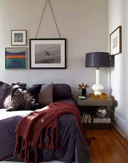 复古简约风客厅床头照片墙设计