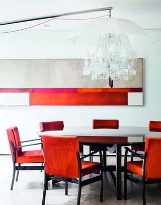 节日季红色餐厅餐桌图片