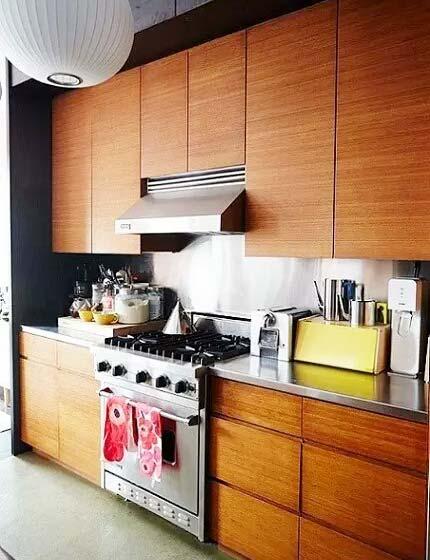 森系简欧风厨房 实木橱柜效果图图片
