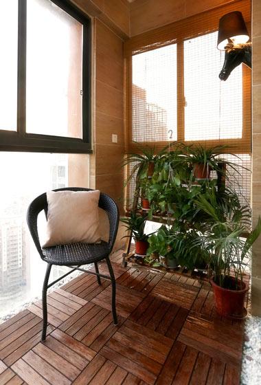 实木风格小阳台装修效果图
