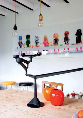 艺术童趣餐厅背景墙装饰图片