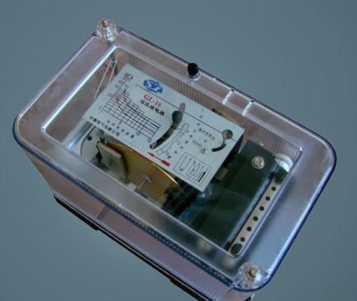 2电流继电器的功能 电流继电器常用于直流电动机和电磁吸盘的失磁